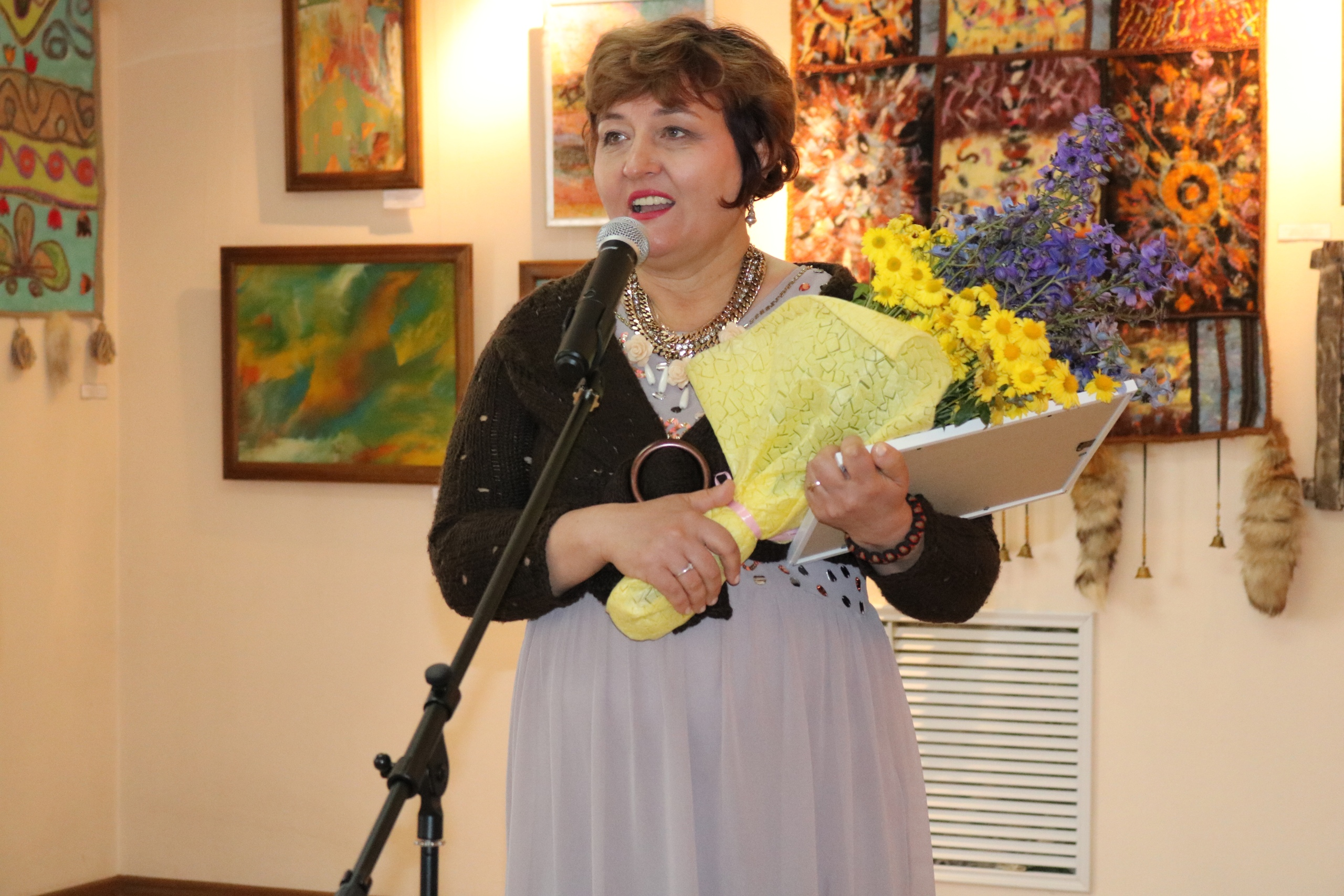 Открылась персональная выставка Светланы Каратаевой