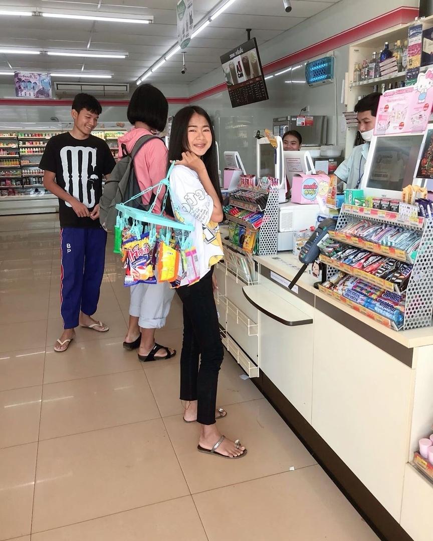 В Таиланде запретили пластиковые пакеты, и люди начали выкру