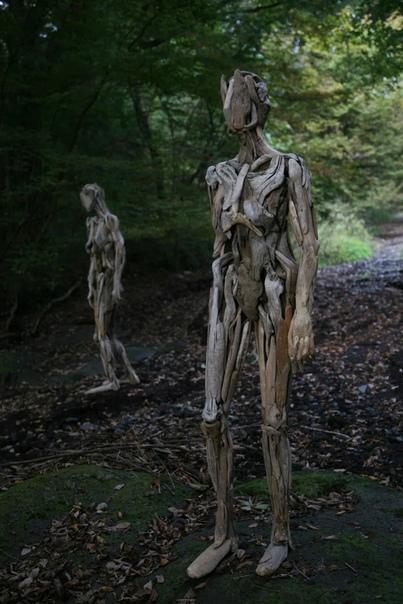 Серия скульптур из дерева японского художника Нагато Ивасаки в равной степени пугает и ошеломляет
