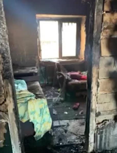 Россиянин заживо сжёг шестилетнюю дочь, посчитав её неродной В Хакасии вахтовик заживо сжёг спящую шестилетнюю дочь, посчитав, что сожительница её нагуляла. В отношении него возбуждено дело по