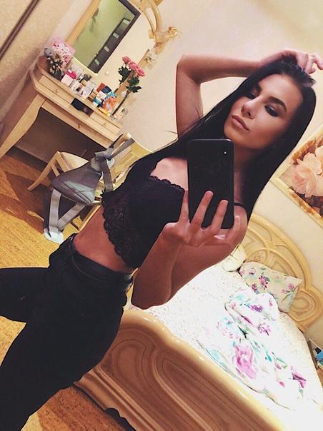 Девушки погибла на вписке в Питере, выпав голой с 13-го этажа В Санкт-Петербурге, на Ново-Александровской улице, разыгралась трагедия. 19 сентября жильцы одного из домов услышали странные звуки,